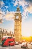 Big Ben i dom parlament z dwoistymi deckers, Londyn, UK Zdjęcia Stock