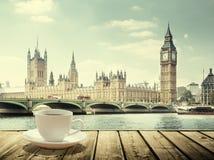 Big Ben i filiżanka kawy, Londyn Obrazy Royalty Free