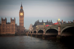 Big Ben i Westminister most, domy parlament, wschód słońca Obraz Stock