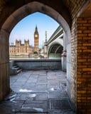 Big Ben, Königin Elizabeth Tower und Westminster-Brücke Stockbilder