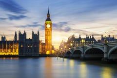 Big Ben klockatorn i London på solnedgången Arkivbilder
