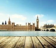 Big Ben in Londen en houten Royalty-vrije Stock Foto