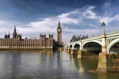 Big Ben mit Brücke in London, England Lizenzfreie Stockbilder