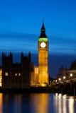 Big Ben nachts lizenzfreie stockfotos