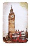 Big Ben och dubbeldäckarebuss i London Arkivbild
