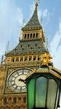 Big Ben och kungliga lampor Royaltyfri Fotografi
