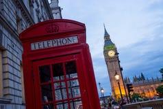 Big Ben och Westminster abbotskloster i London, England Arkivbild
