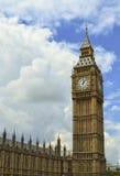Big Ben parlamentu budynek i Chmurny niebo, Londyn, Anglia Obraz Stock