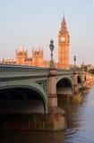 Big Ben & retrato do amanhecer da ponte de Westminster imagens de stock