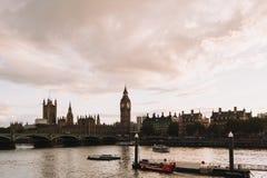 Big Ben sikt från pir Arkivfoto