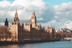 Big Ben und Parlamentsgebäude am Tag, London, Großbritannien Stockfoto