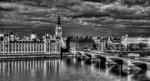 Big Ben und Westminster-Brücke Stockfotografie