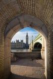 Big Ben und Westminster-Brücke stockbild