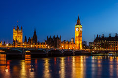 Big Ben y casa del parlamento en la noche, Londres Fotos de archivo