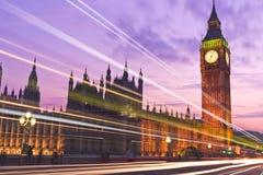 Big Ben y el parlamento de Londres Inglaterra en la puesta del sol Foto de archivo