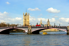 Big Ben y las casas del parlamento en Londres Imagenes de archivo