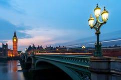 Big Ben y las casas del parlamento en Londres, Inglaterra foto de archivo