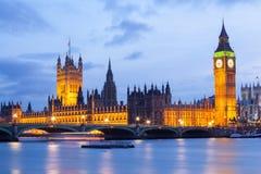 Big Ben y puente Londres de Westminster Imagen de archivo libre de regalías