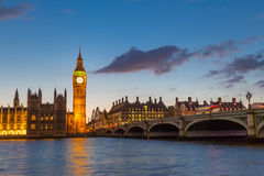Big Ben y Westminster en la oscuridad, Londres, Reino Unido Fotografía de archivo