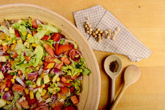 Big bowl of salad and chickpeas Royalty Free Stock Photos