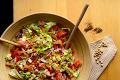 Big bowl of salad and chickpeas Royalty Free Stock Photography