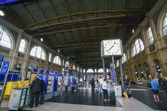 The Big clock and ticket booth of Zurich Main Station Royalty Free Stock Images