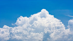 Big cloud in a blue sky Royalty Free Stock Photos