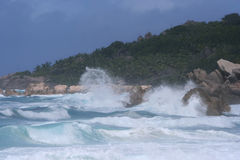 big coast rainstorm tropical vawes 库存图片