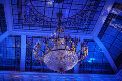 The big crystal chandelier Royalty Free Stock Photos