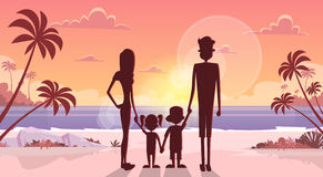 Big Family Hold Hands Over Sunset Holiday Sea Seaside Summer Vacation Parents With Two Children Royalty Free Stock Image