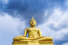 Big  golden buddha statue sitting in temple Royalty Free Stock Photos