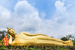 Big Golden Reclining Buddha Statue In Thai Temple Royalty Free Stock Photography