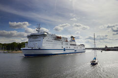 Big liner sailing from port Royalty Free Stock Images