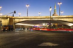 Big Moskvoretsky bridge at Night in a Moscow, Russia Stock Photos