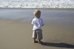 Big ocean, Little Boy Royalty Free Stock Photo