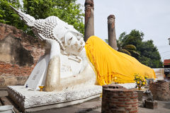 Big reclining buddha in wat yai chai mongkol Royalty Free Stock Photos