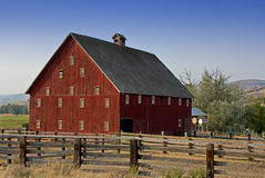 Big Red Vintage Country Barn Stock Photography