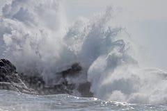 Sunny big wave splash Royalty Free Stock Photography