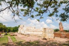 Big sleeping buddha at wat Lokaya Suttharam in Ayuthaya, Thailan Royalty Free Stock Images