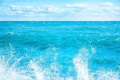 Big wave on the blue sea Royalty Free Stock Images