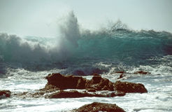 Big wave crushing Royalty Free Stock Images