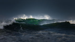 Big waves with stormy weather Royalty Free Stock Images
