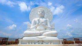 Free Big White Buddha Statue Royalty Free Stock Photography - 78331887