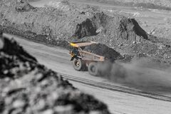 Free Big Yellow Mining Truck Coal Transportation. Open Pit Mine Industry Royalty Free Stock Photos - 195227658