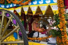 Biga con l'immagine di Srila Prabhupada nel trentasettesimo festival annuale delle bighe Fotografia Stock Libera da Diritti