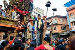 Biga della processione di Rato Machhindranath della pioggia in Patan, Nepal Fotografie Stock Libere da Diritti