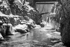 Bigar-Wasserfall eingefroren Stockfoto