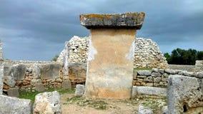 Bigest Taula des ruines paléolithiques de Menorca photographie stock libre de droits
