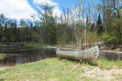 Bigfork rzeki czółno Zdjęcia Royalty Free