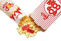 Biglietti di film e del popcorn Fotografia Stock Libera da Diritti